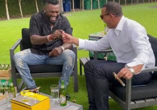 Photo of Un vídeo de los ex Grandes Ligas dominicanos Alex Rodríguez y David Ortiz se ha viralizado en las redes sociales.