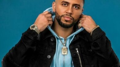 """Photo of Farruko firma a DJ Adoni: """"Ya saben a quién tienen que llamar si se porta mal»"""