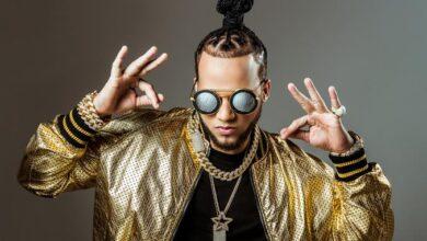 Photo of Los estrafalarios en el vestir se multiplican entre los cantantes dominicanos